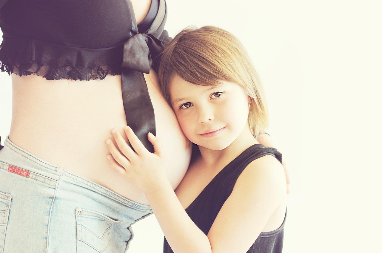 מה ההגדרה והגורמים של הריון בסיכון גבוה?
